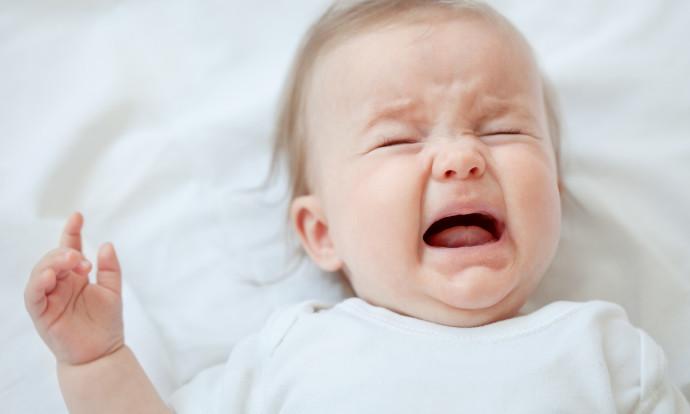 Почему ребёнок плачет ?